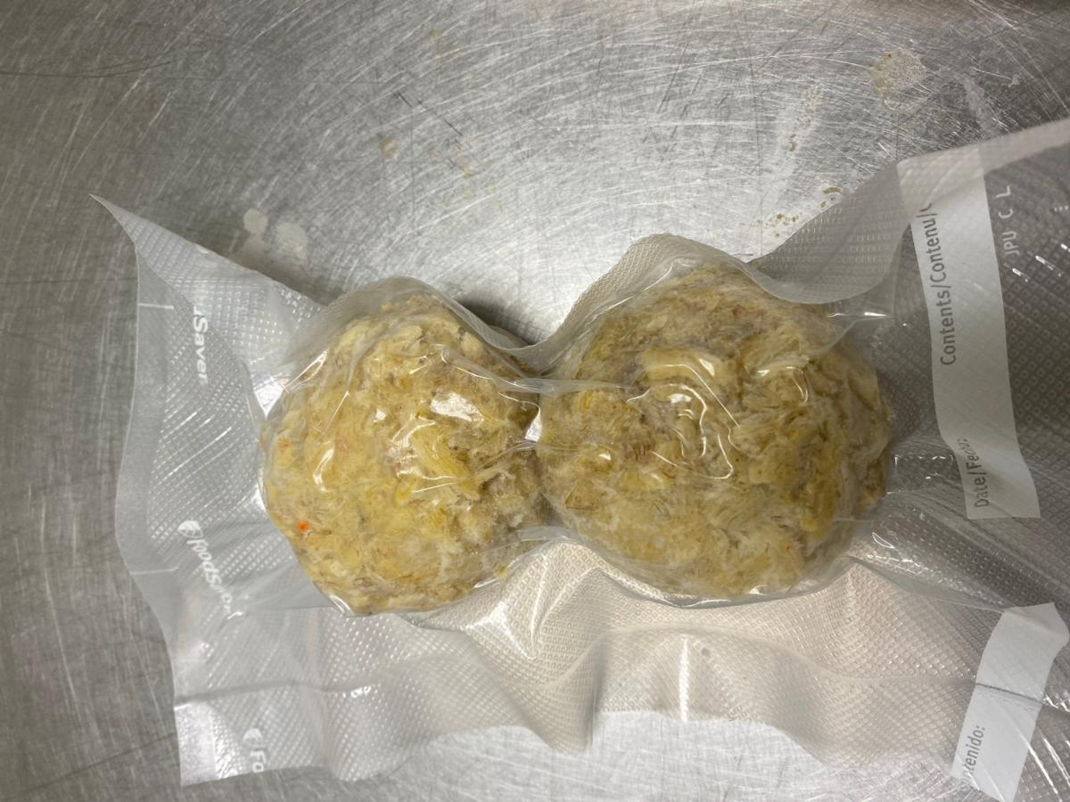 2 5 oz pack of frozen crab cakes